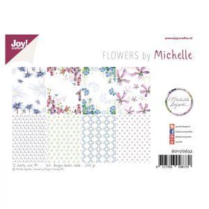 Cartoncini floreali con fiori per scrap booking